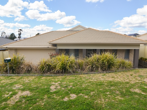 54 Cary Avenue Wallerawang, NSW 2845