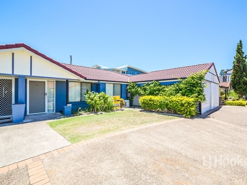 2 Seabreeze Court, Spinnaker Drive Sandstone Point, QLD 4511
