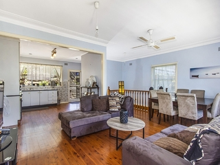 109 Brisbane Water Dr (Entry via Penang St) Point Clare , NSW, 2250