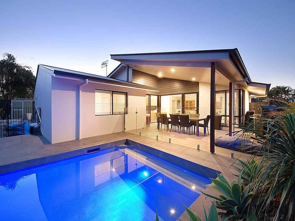 16 Barklya Place Palm Beach, QLD 4221