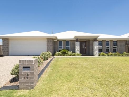 19 Renshaw Crescent Kearneys Spring, QLD 4350