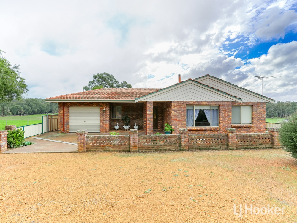 202 Booth Street Collie, WA 6225