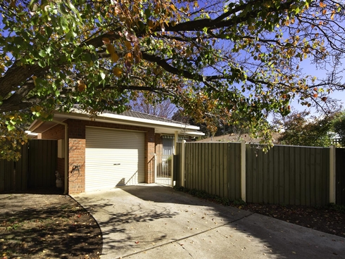2/106 Britten Jones Drive Holt, ACT 2615