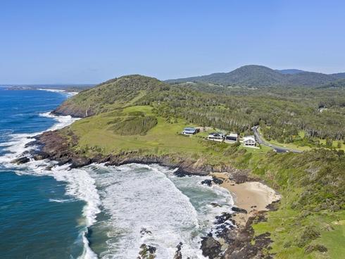 4 Sea Breeze Place Way Way, NSW 2447