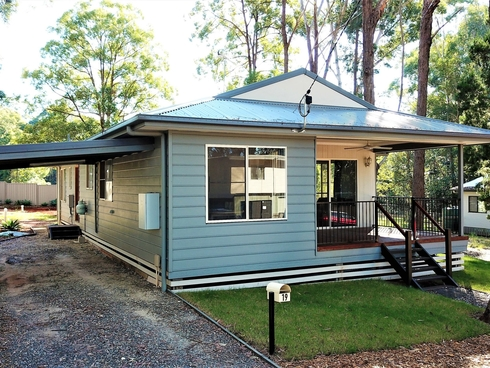 19 Meadstone Street Russell Island, QLD 4184