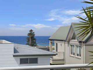 2/124A Ocean View Drive Wamberal , NSW, 2260