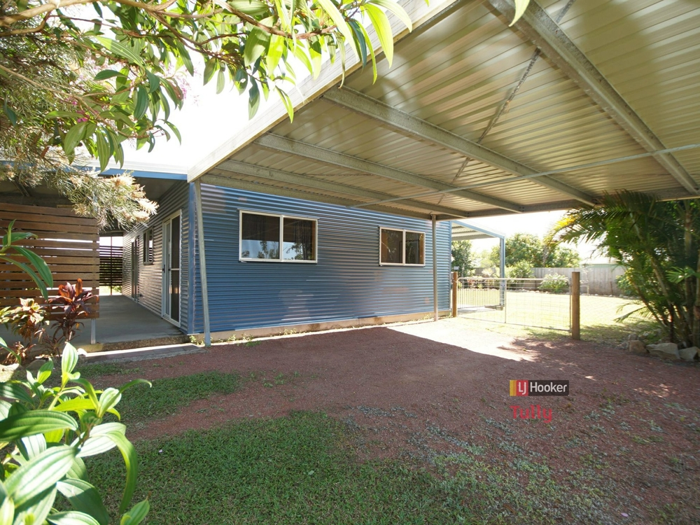 13 Amanda Crescent Tully Heads, QLD 4854