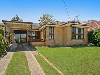 90 Oakland Avenue The Entrance , NSW, 2261