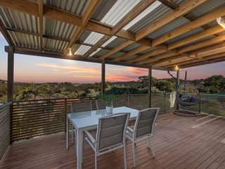 41 Valley View Road Bateau Bay , NSW, 2261