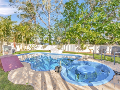 3 Issell Place Highland Park, QLD 4211