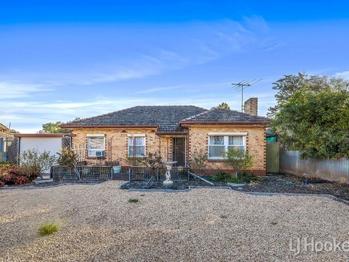 32 Catalina Road Elizabeth East, SA 5112