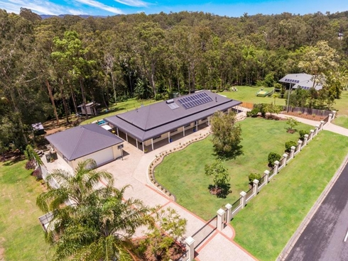 8 Walker Drive Worongary, QLD 4213