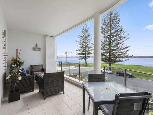 4/32-34 Oatland Esplanade Runaway Bay, QLD 4216