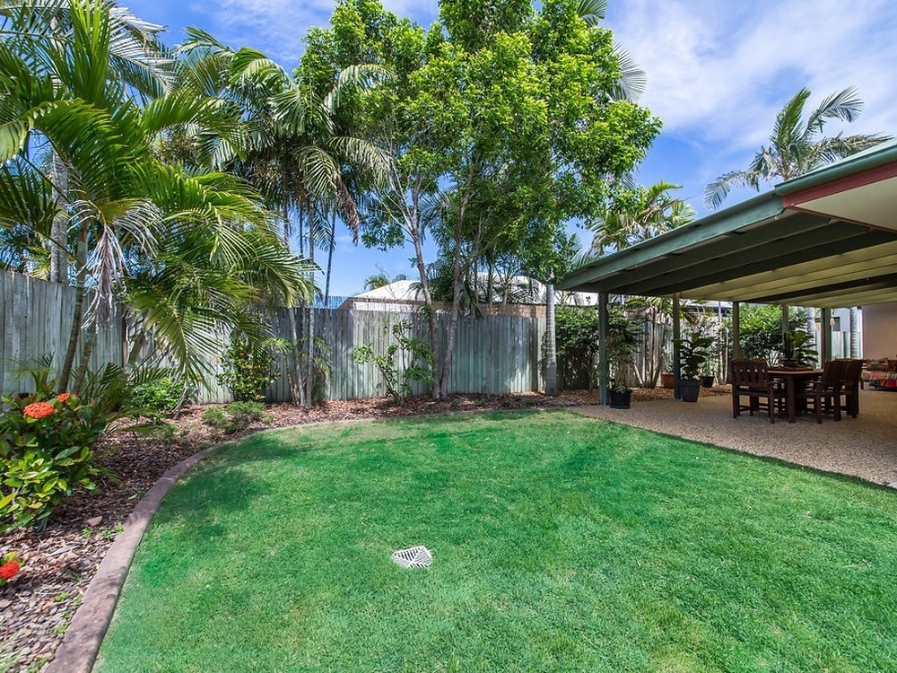 14 Fantail Place Twin Waters, QLD 4564