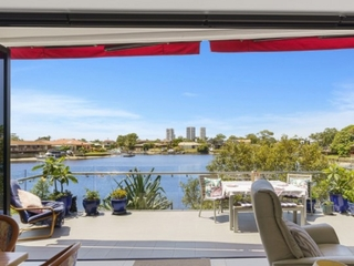 2002/5 Harbour Side Court Biggera Waters , QLD, 4216