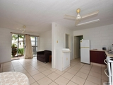 2/25 Victoria Street Cardwell, QLD 4849