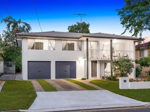 64 Morialta Street Mansfield, QLD 4122