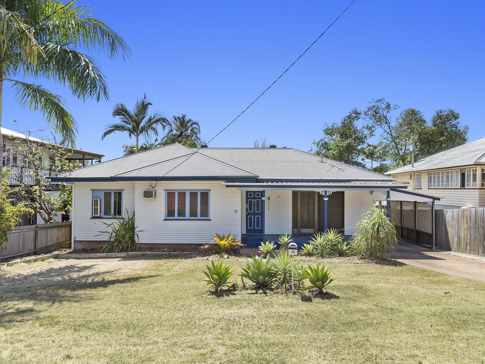 10 Brecknell Street The Range, QLD 4700