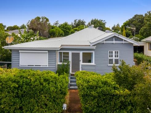 4 Vera Street Newtown, QLD 4350