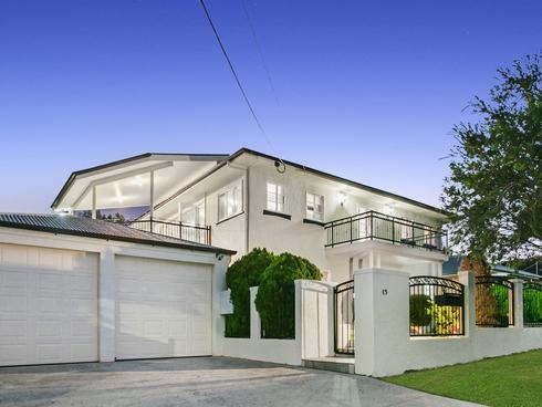 15 Bunton Street Scarborough, QLD 4020