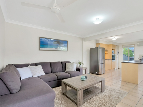 2/6 Belongil Street Pacific Pines, QLD 4211