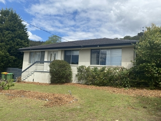 5 Camden Close Point Clare , NSW, 2250