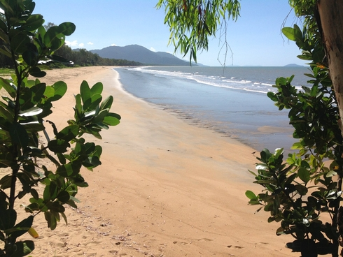1595 Bramston Beach Road Bramston Beach, QLD 4871