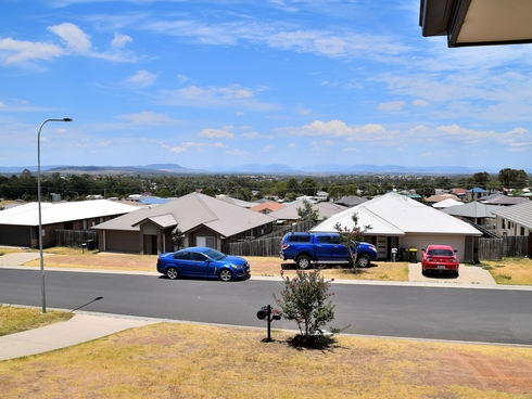 15 Capital Drive Rosenthal Heights, QLD 4370