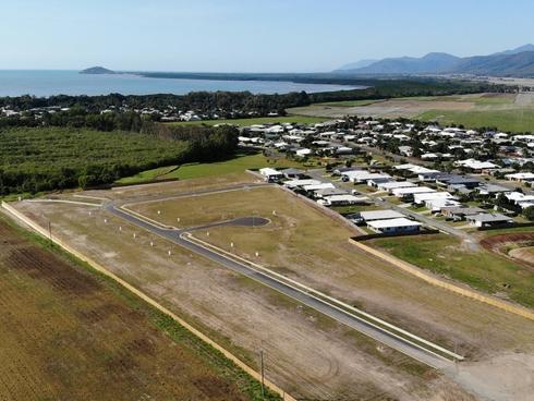 75 Barrbal Drive Cooya Beach, QLD 4873