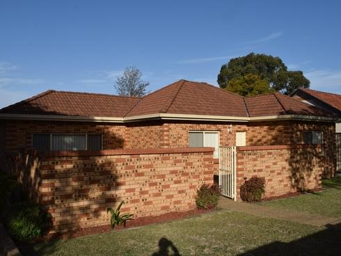 1/33 SIMMAT AVENUE Condell Park, NSW 2200