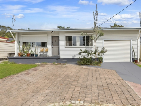 10 Delia Avenue Budgewoi, NSW 2262