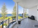 8/32-34 Oatland Esplanade Runaway Bay, QLD 4216