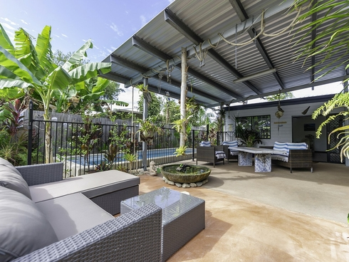 5 Jacaranda Close Cooya Beach, QLD 4873