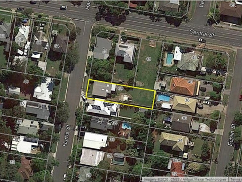 39 Harris Street Labrador, QLD 4215