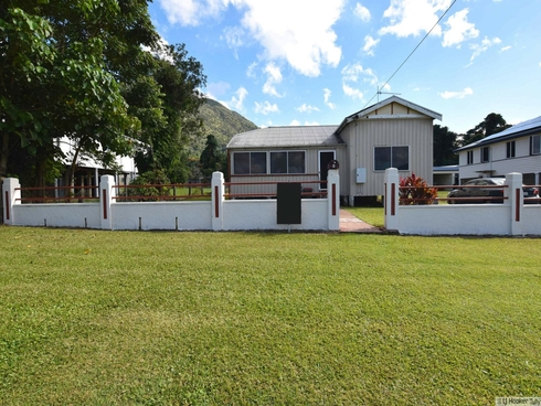 6 Curtis Street Tully, QLD 4854