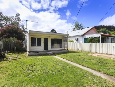 118 Foxlow Street Captains Flat, NSW 2623