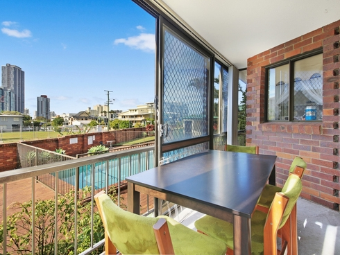 2/79 Queen Street Southport, QLD 4215