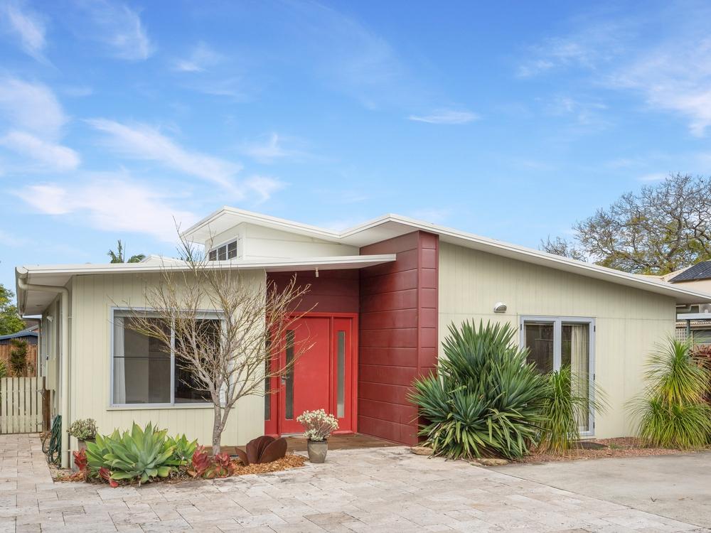 157 Albany Street Point Frederick, NSW 2250