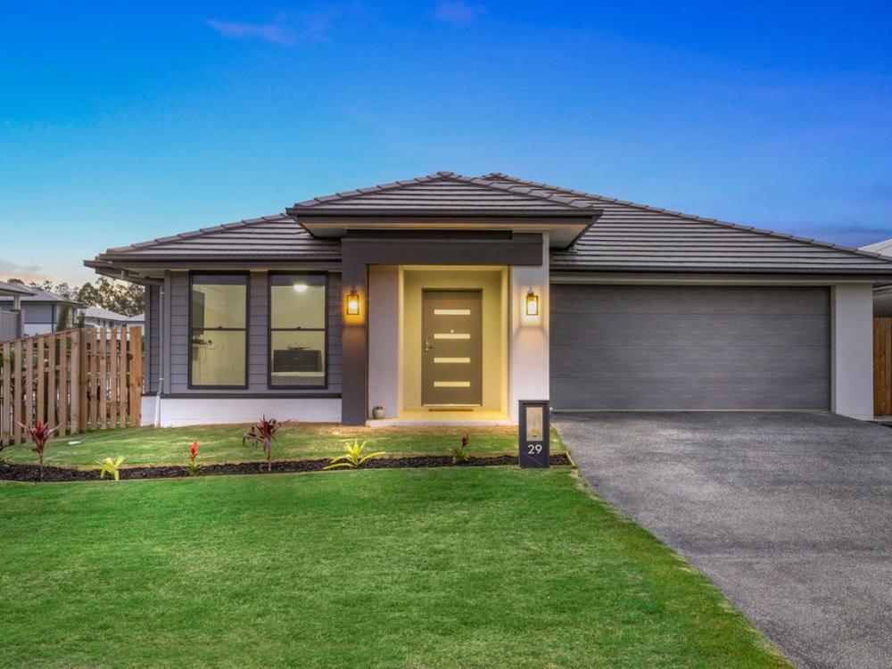 29 Emerald Drive Helensvale, QLD 4212