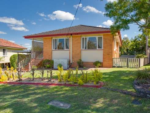 12 Besson Street Stafford Heights, QLD 4053