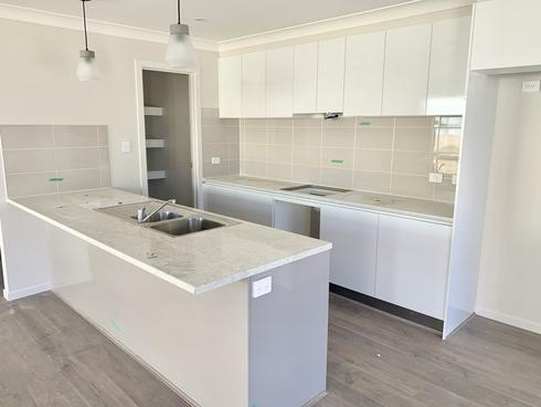 5a Holmes Avenue Toukley, NSW 2263