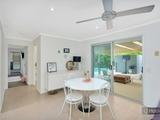 16 Richard Crescent Highland Park, QLD 4211