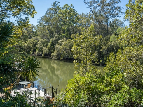 57 River Oak Drive Helensvale, QLD 4212