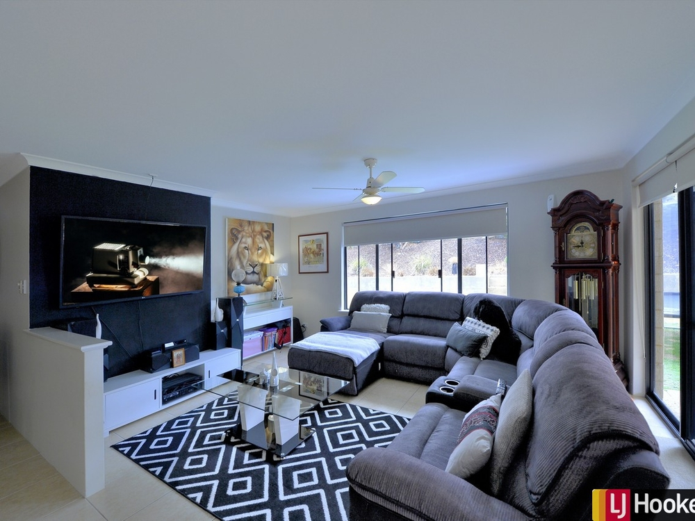 11 Allendale Crescent, House for sale by Lorelea Abele