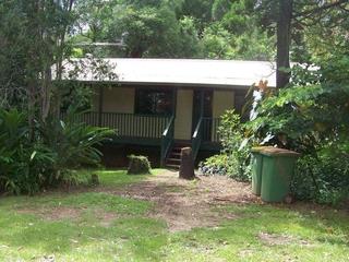 11 WYENA AV Lamb Island , QLD, 4184