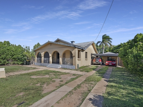 174 Walker Street Svensson Heights, QLD 4670