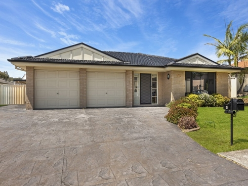 4 Greenhaven Circuit Woongarrah, NSW 2259