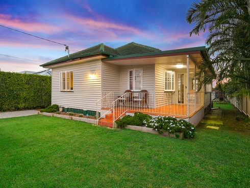 18 Berrimilla Street Manly West, QLD 4179