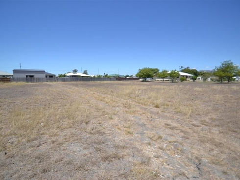 39-41 Myles Street Merinda, QLD 4805