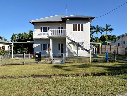 9 Thurles Street Tully, QLD 4854